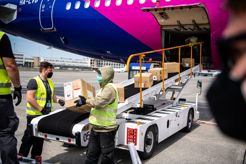 100th Wizz Air Flight with Protective Gear from China Arrives in Budapest post's picture