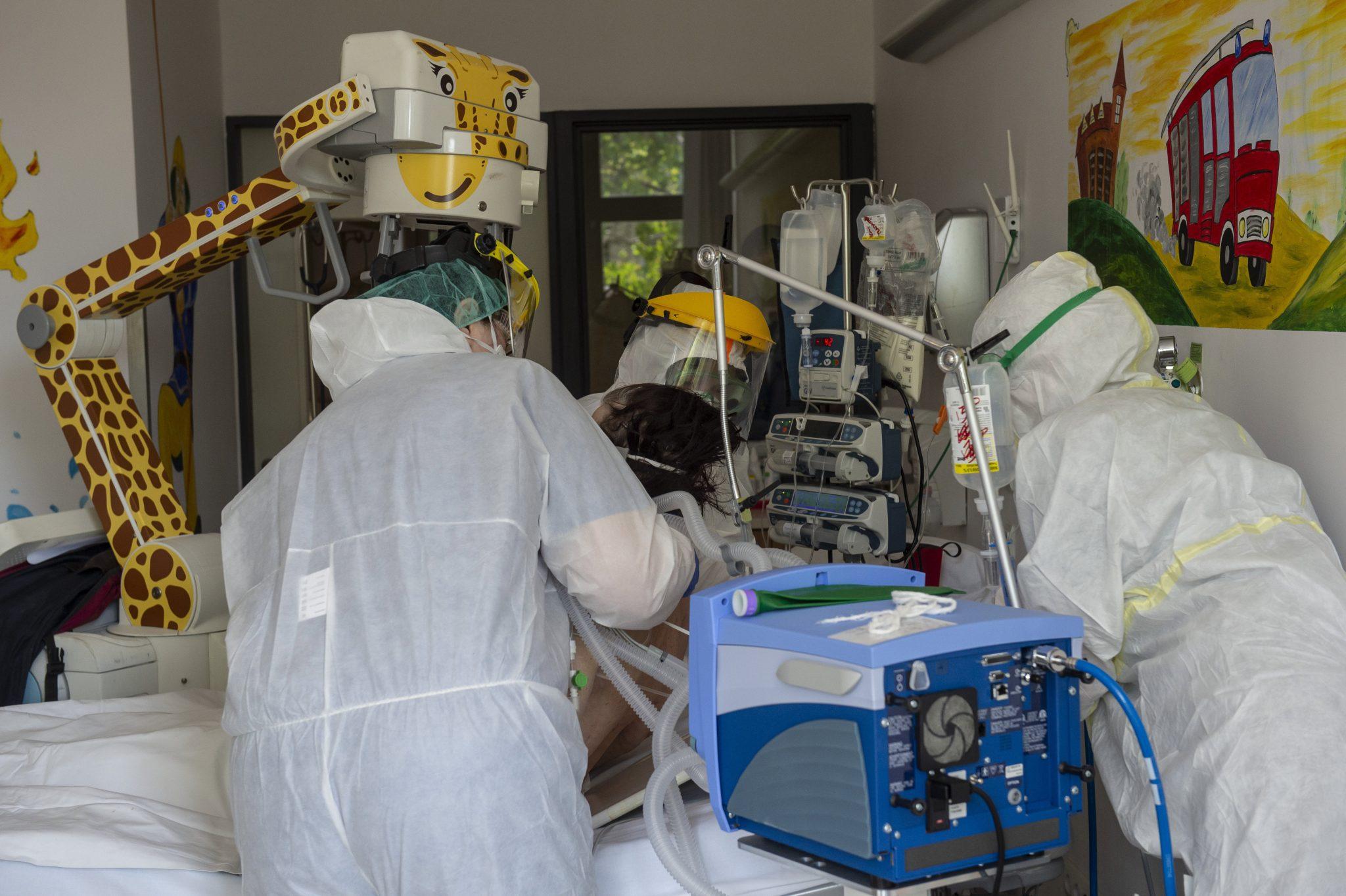Press: Several Intensive Care Units Receive Ventilators Unfit for Hospital Use post's picture