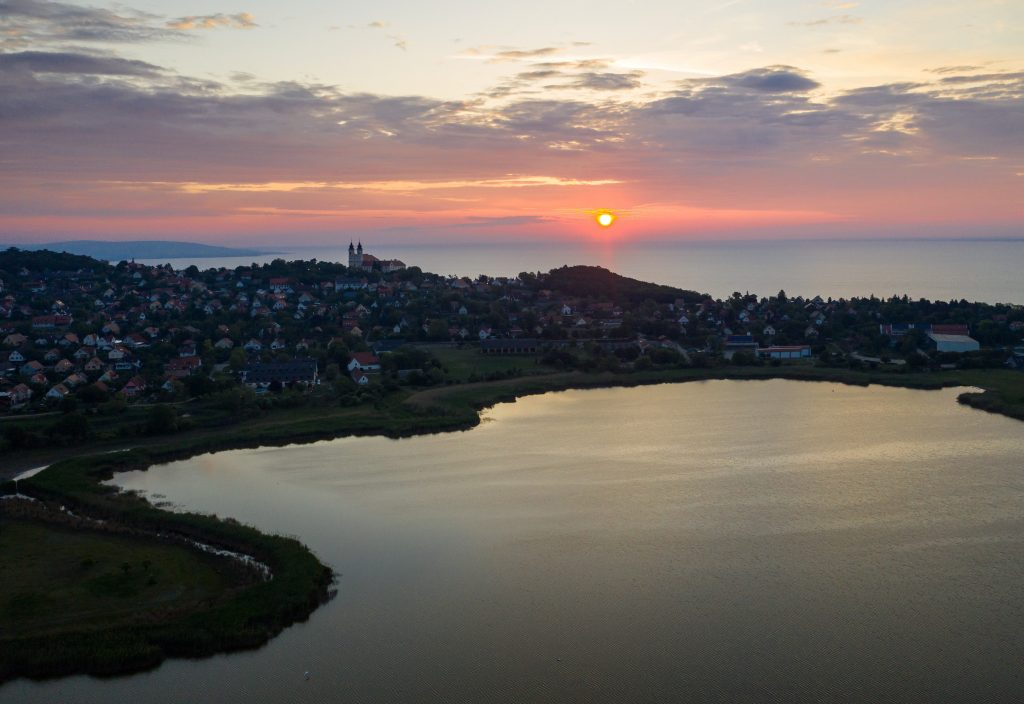 Socialists Request Constitutional Review of Lake Balaton Construction Regulations post's picture