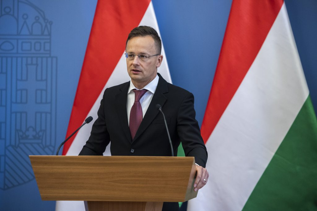 Foreign Minister: Hungary to Complete Pipeline for Azeri Gas by October post's picture