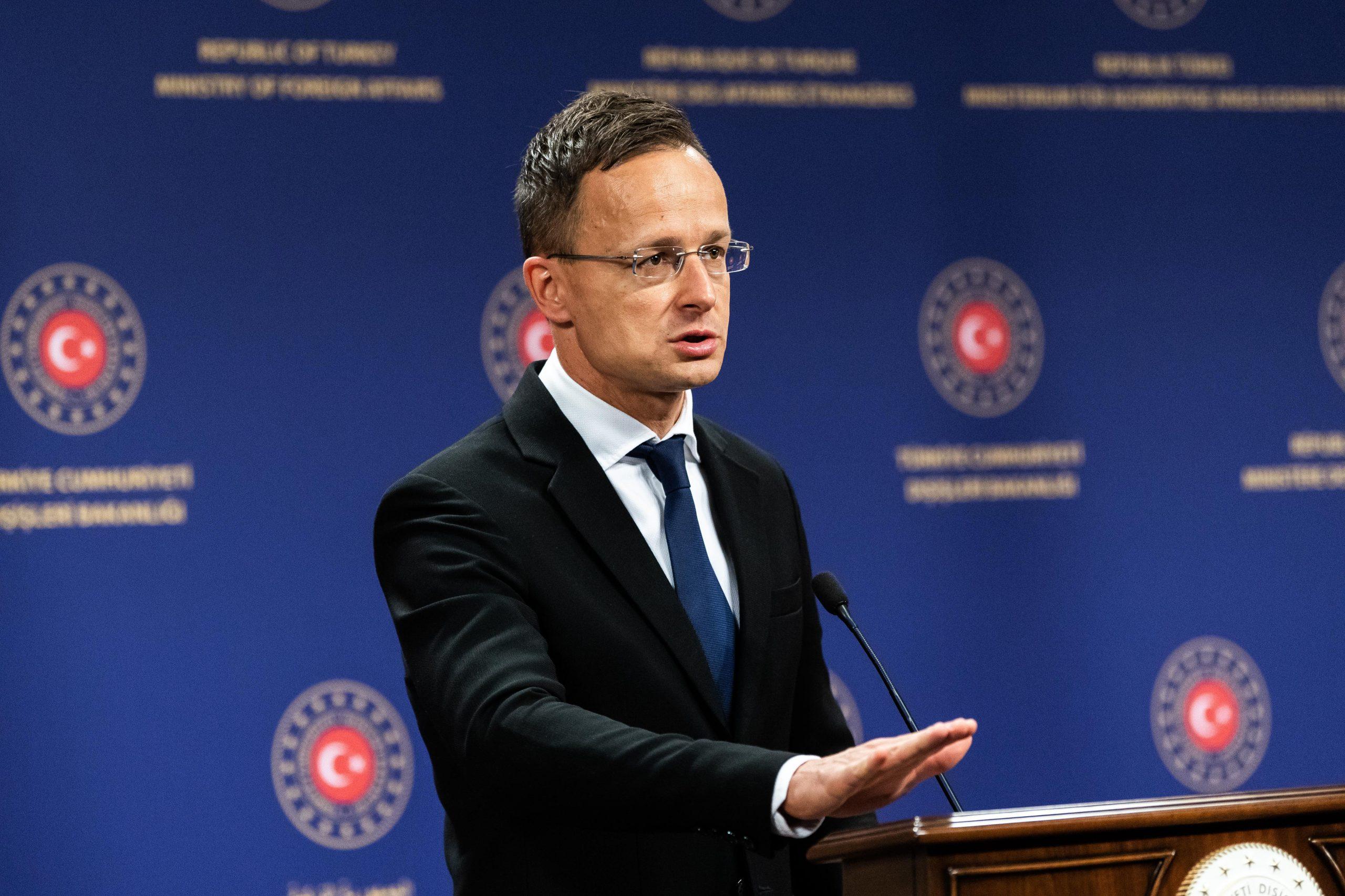 Foreign Minister Szijjártó Calls for New EU-Turkey Migration Deal post's picture
