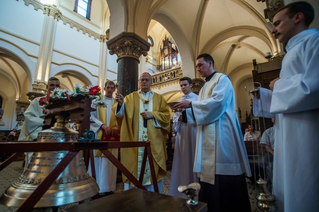 Hungary to Start Vaccinating Priests post's picture