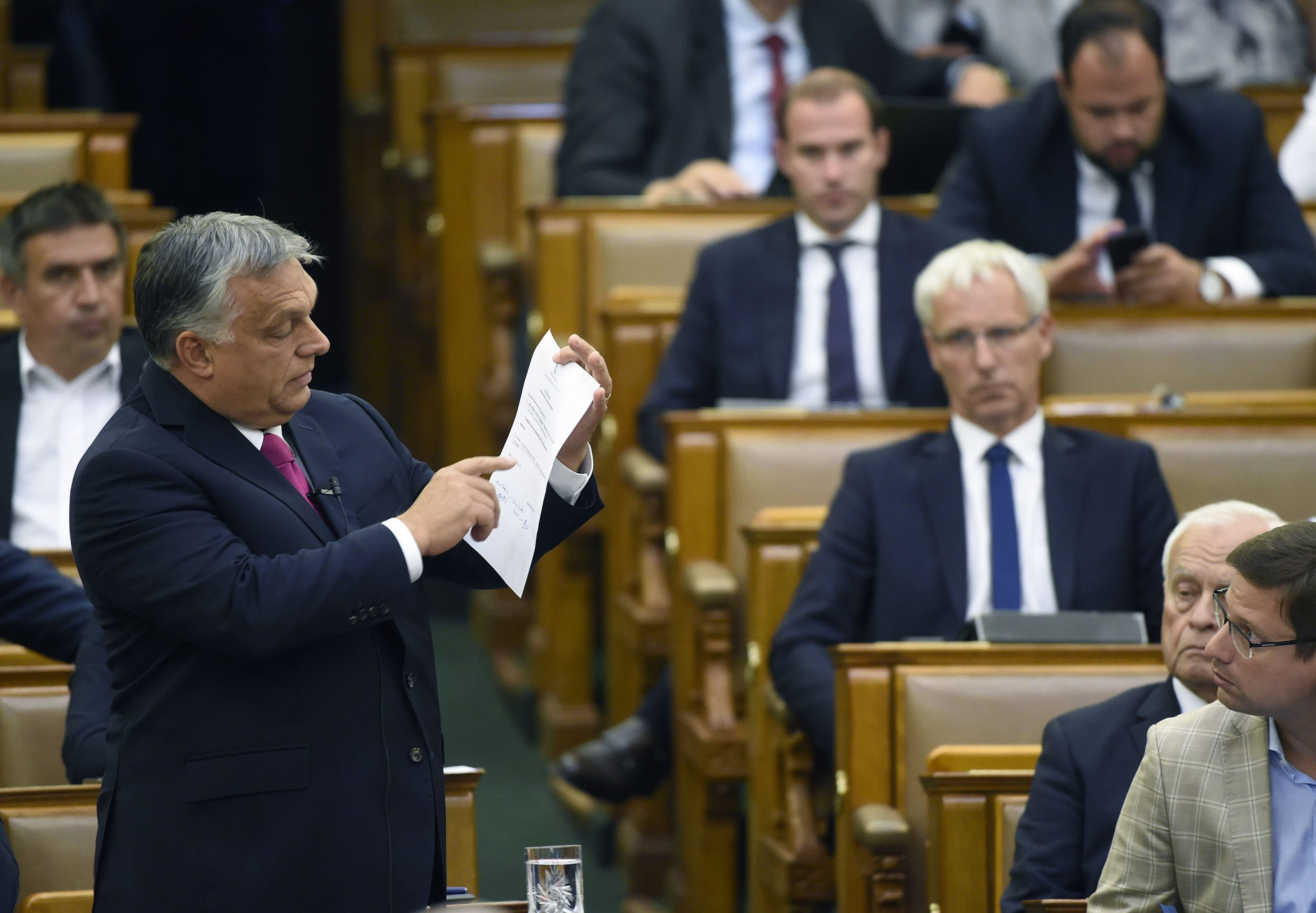 PM Orbán Briefs Parliament on Results at EU Summit post's picture