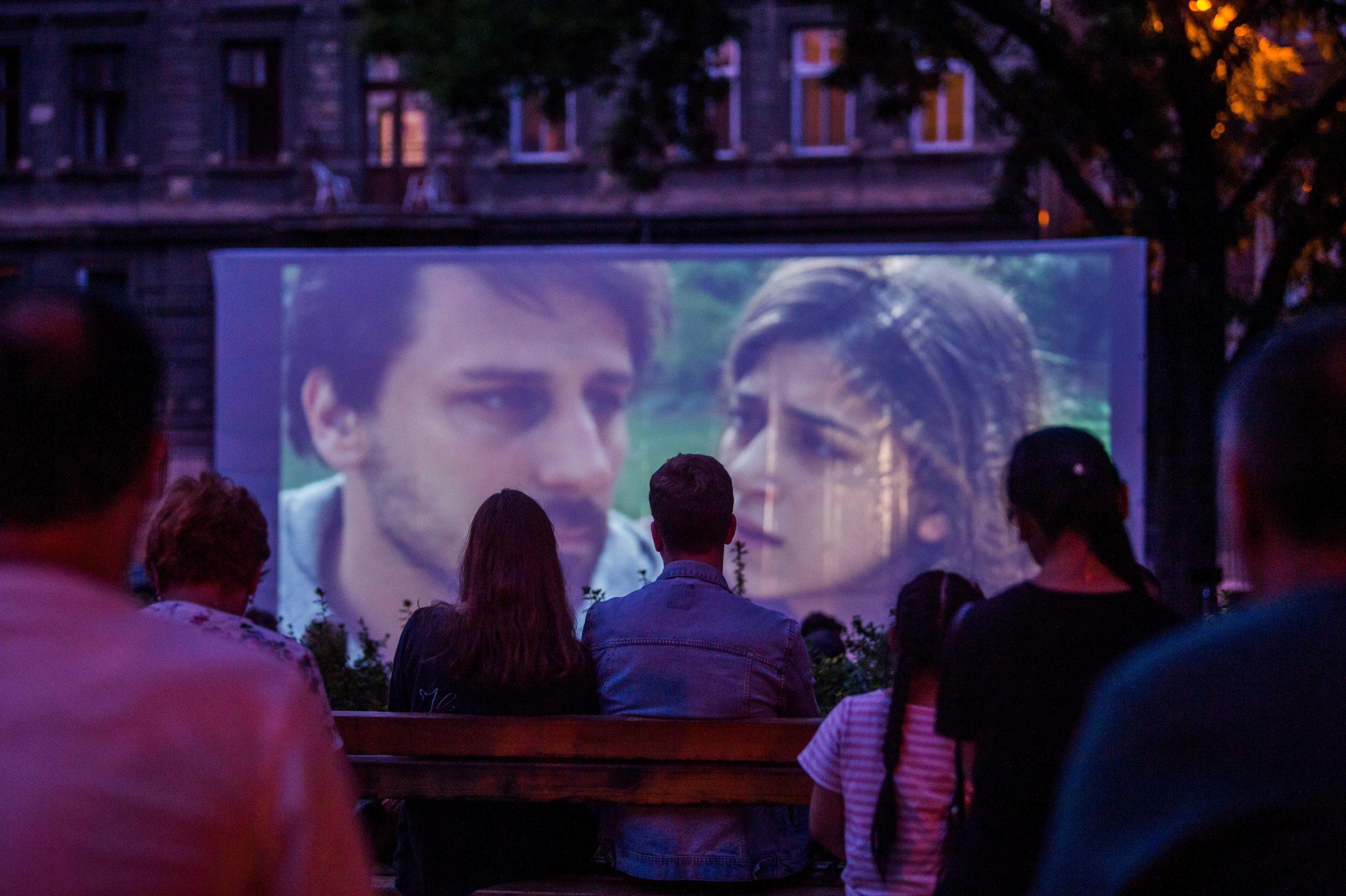 Cinemas Go Outdoor after Coronavirus Scare post's picture
