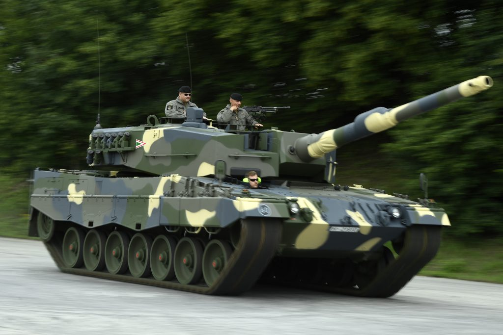 Hungary Takes Delivery of Leopard Battle Tanks post's picture