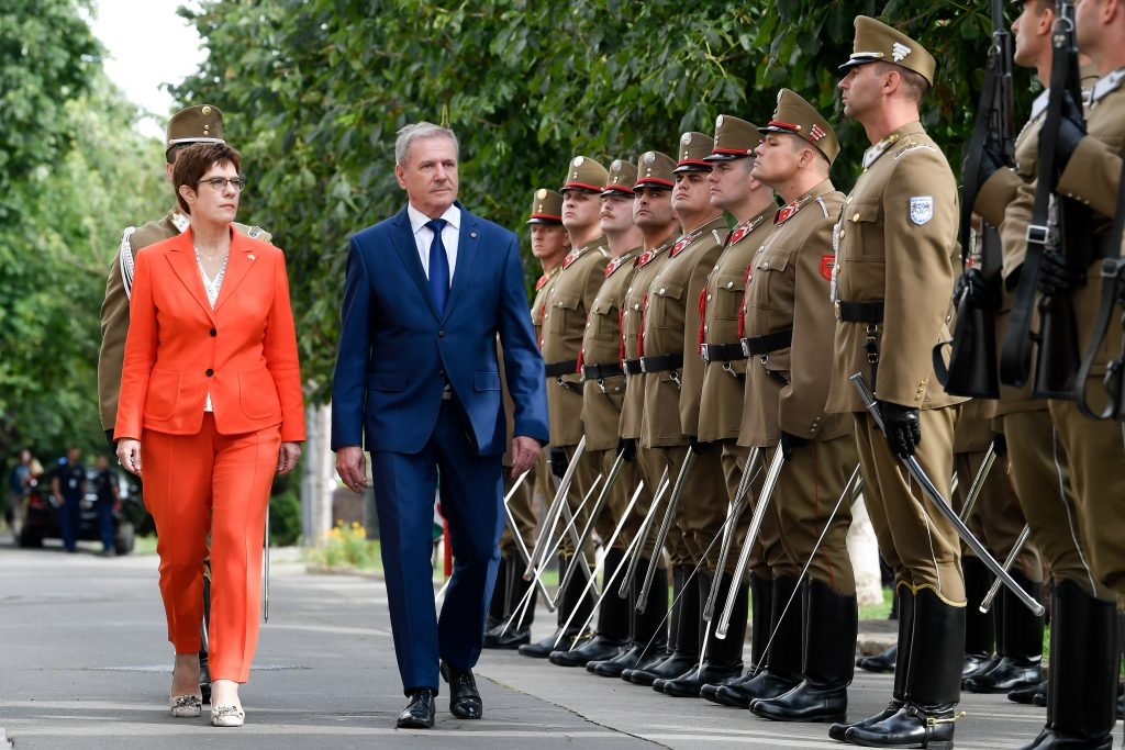Benkő: German, Hungarian Defence Forces Maintain Strong Cooperation post's picture