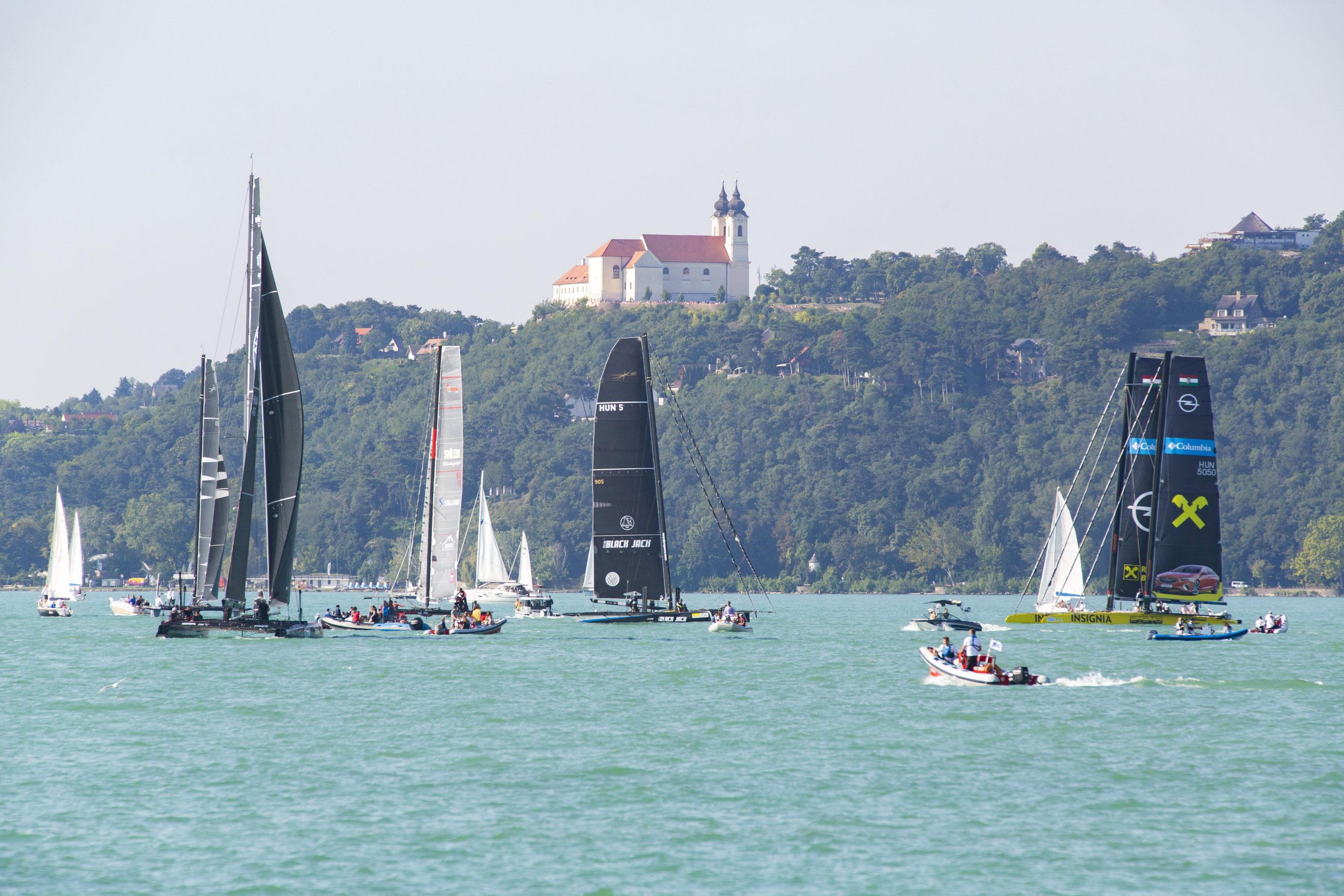 48-hour Blue Ribbon Regatta Winner Completes Journey in 18 Hours in Windless Race post's picture