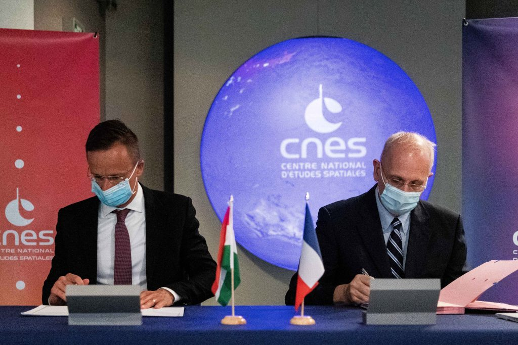 Szijjártó: Hungary Poised to Become Key Player in International Space Industry post's picture