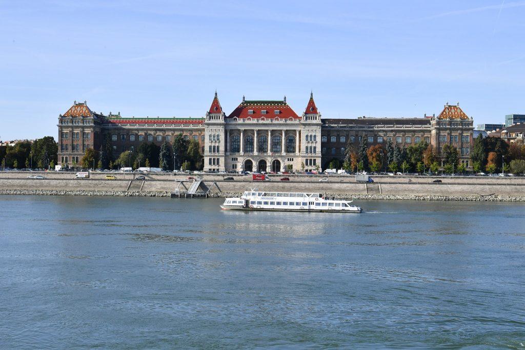 Budapest Tech University Joins European Innovation Alliance post's picture