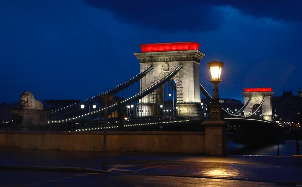 Chain-Bridge Illuminated in Red and White in Solidarity with Belarusian Protesters post's picture