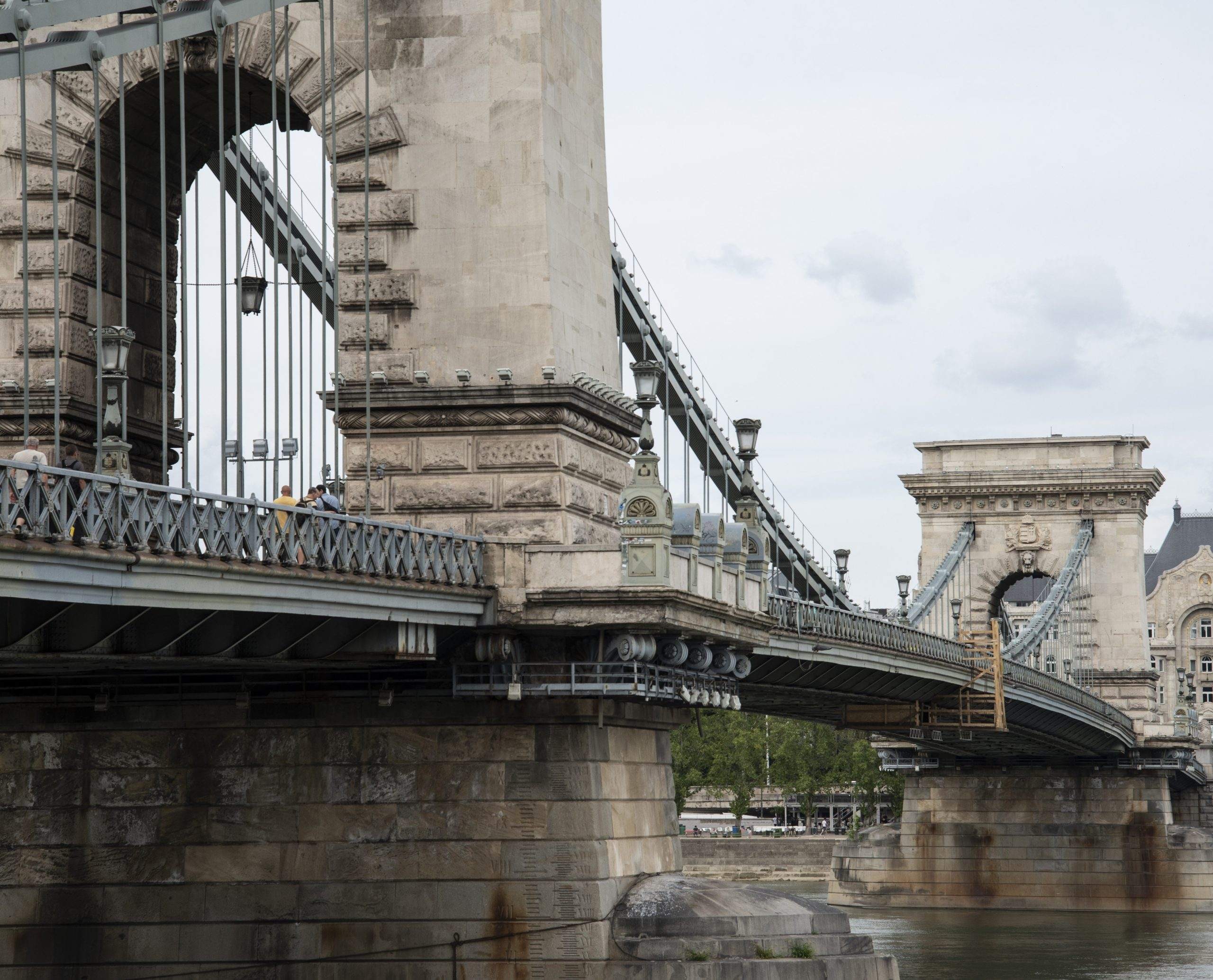 Hungarian Press Roundup: Accusations Fly over Chain Bridge Reconstruction