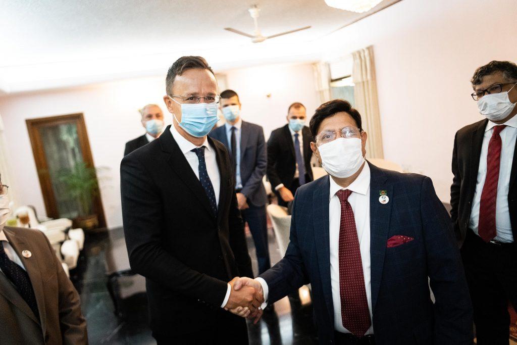 Szijjártó Discusses Economic Cooperation with Bangladeshi Counterpart post's picture