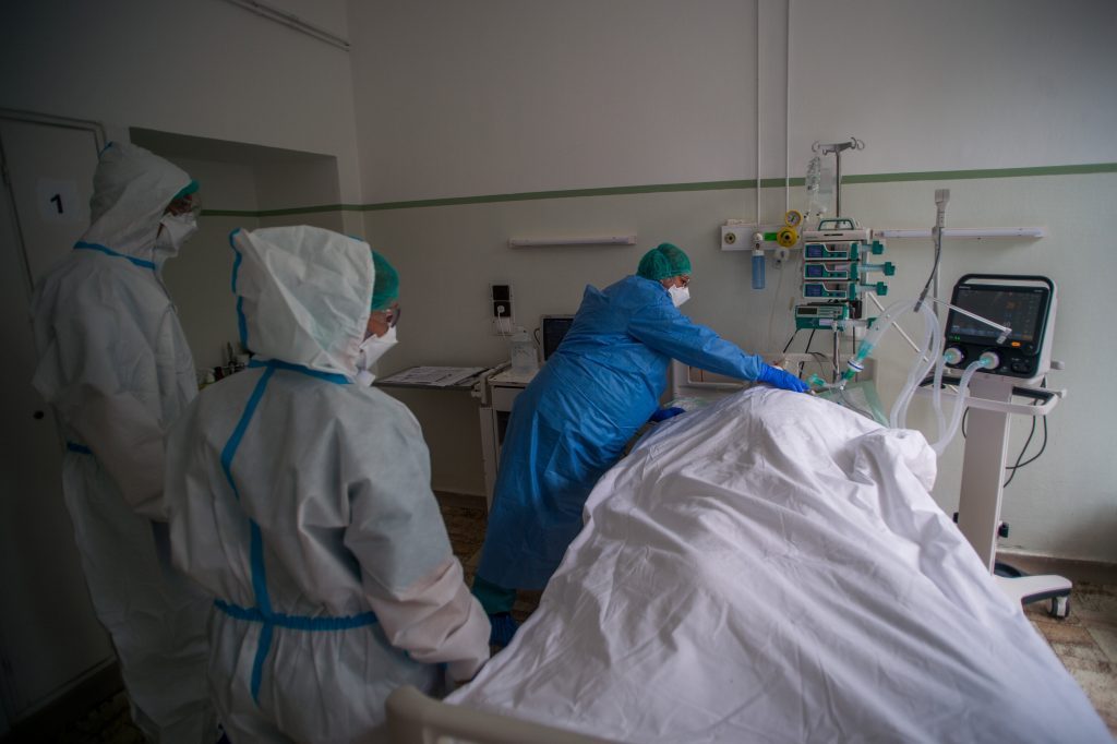 Coronavirus: Seven Die, Registered Infections Up 750 in Hungary