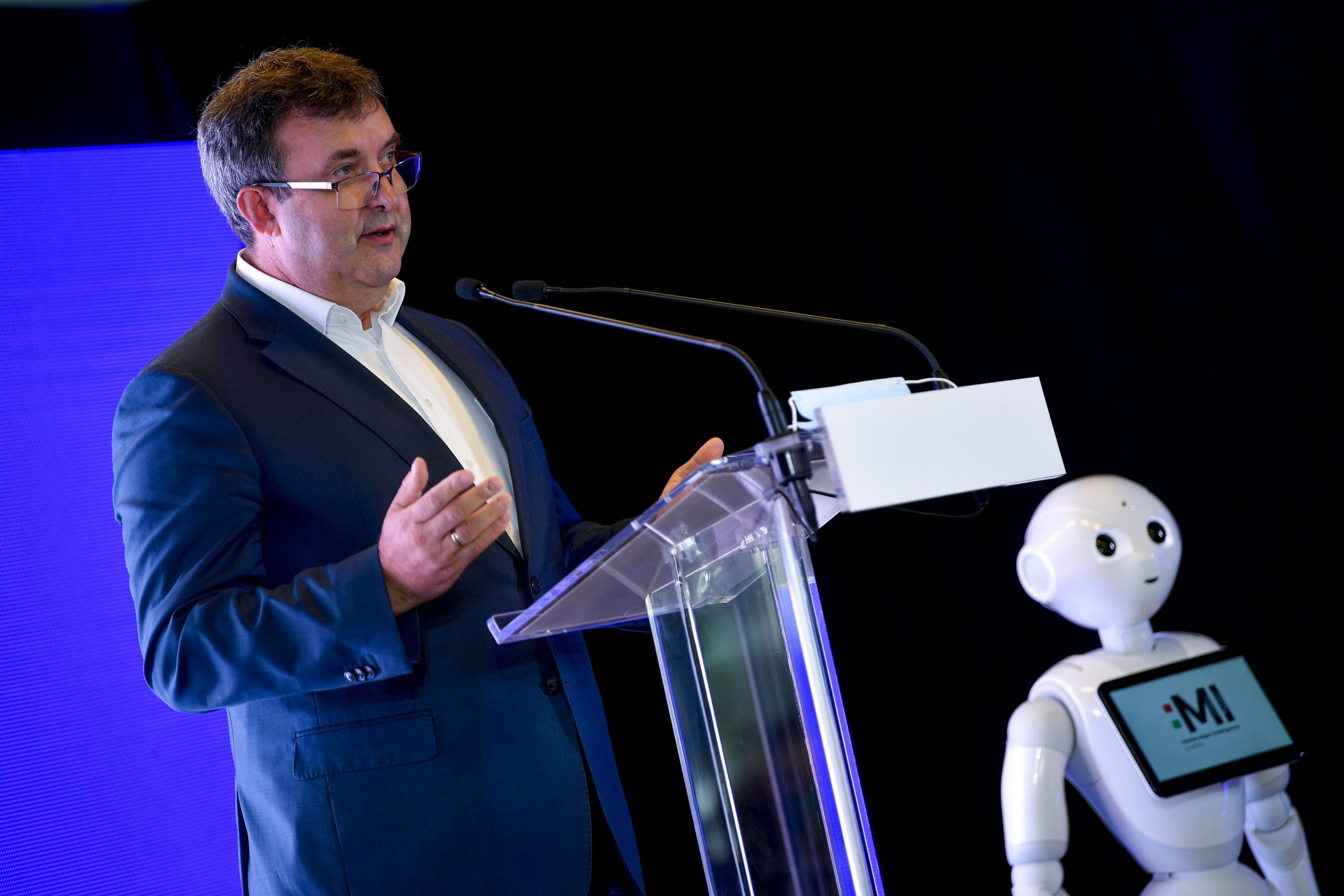 Innovation Minister Presents Artificial Intelligence Strategy post's picture