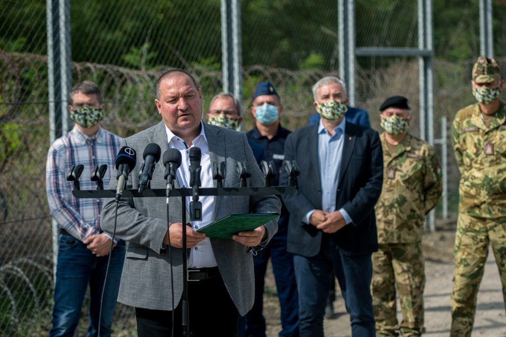 Fidesz's Anti-Immigration Cabinet: Migration Pressure Increasing post's picture