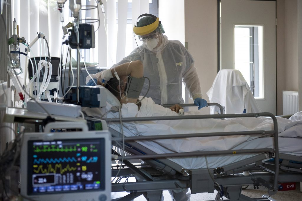 Press: More People Hospitalized with COVID-19 than Official Data Shows post's picture