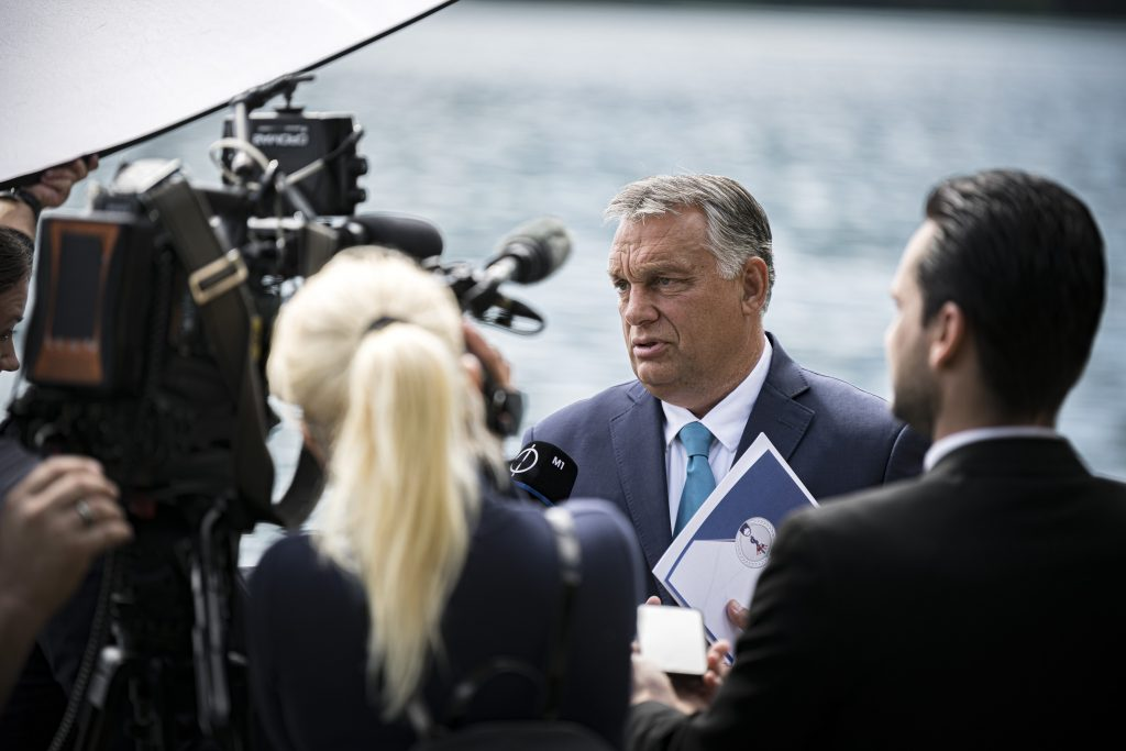 Hungarian Press Roundup: Conflicting Views on PM Orbán's Essay post's picture