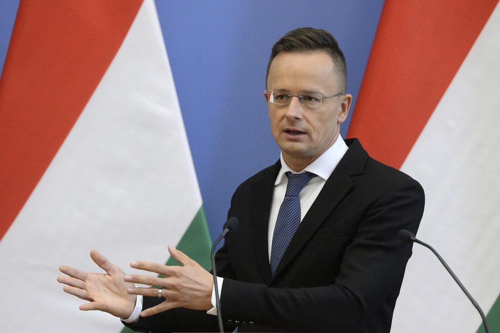 FM Szijjártó: Hungary and Poland Not Moving Away from EU post's picture