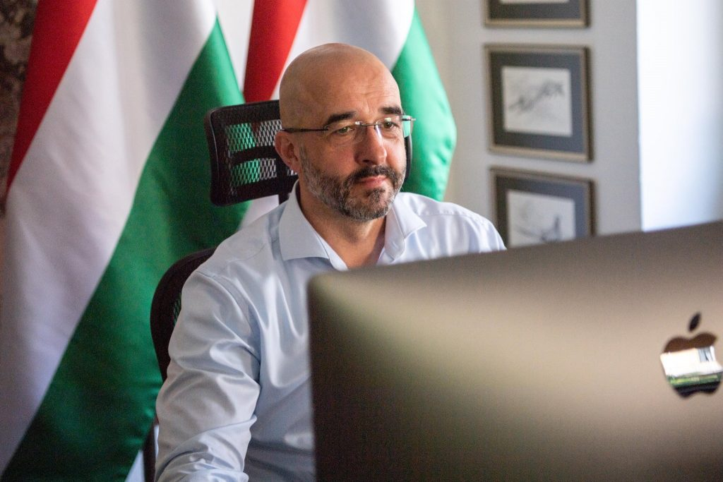 Twitter: Suspension of Hungarian Government's Official Account 'Simply a Mistake,' Page Restored post's picture