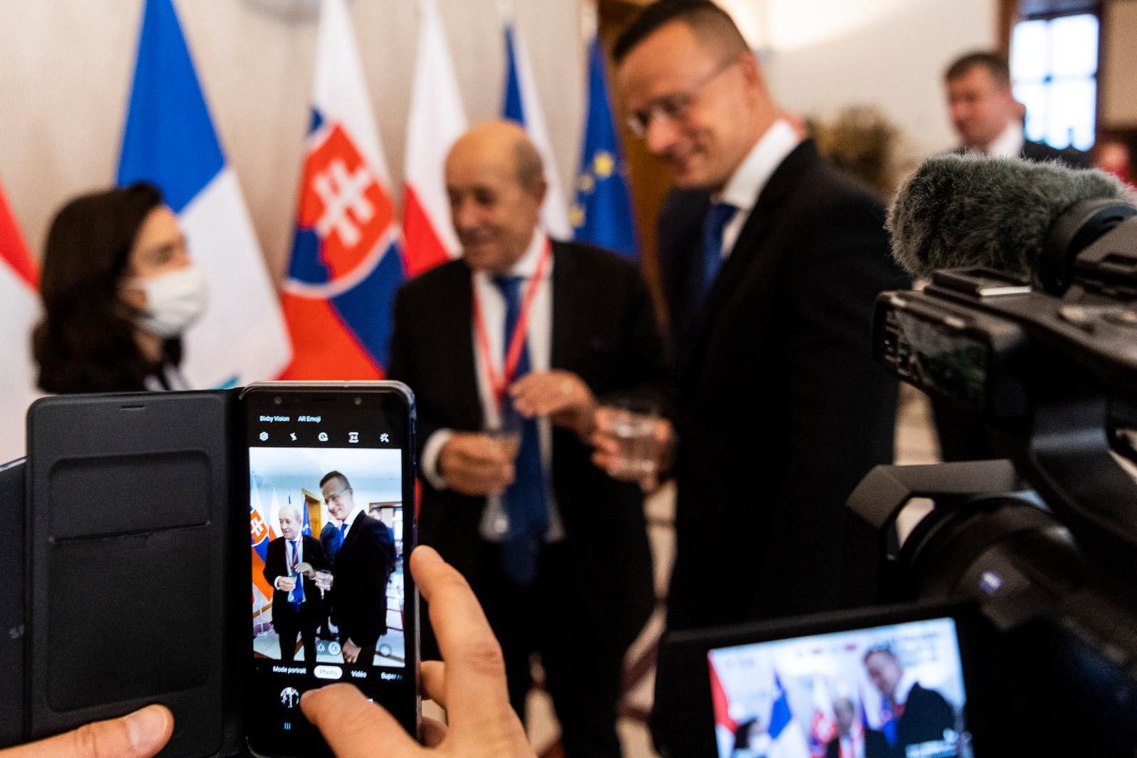 Szijjártó: Three Main Risks Regarding Migration Are Due to EU's Approach post's picture