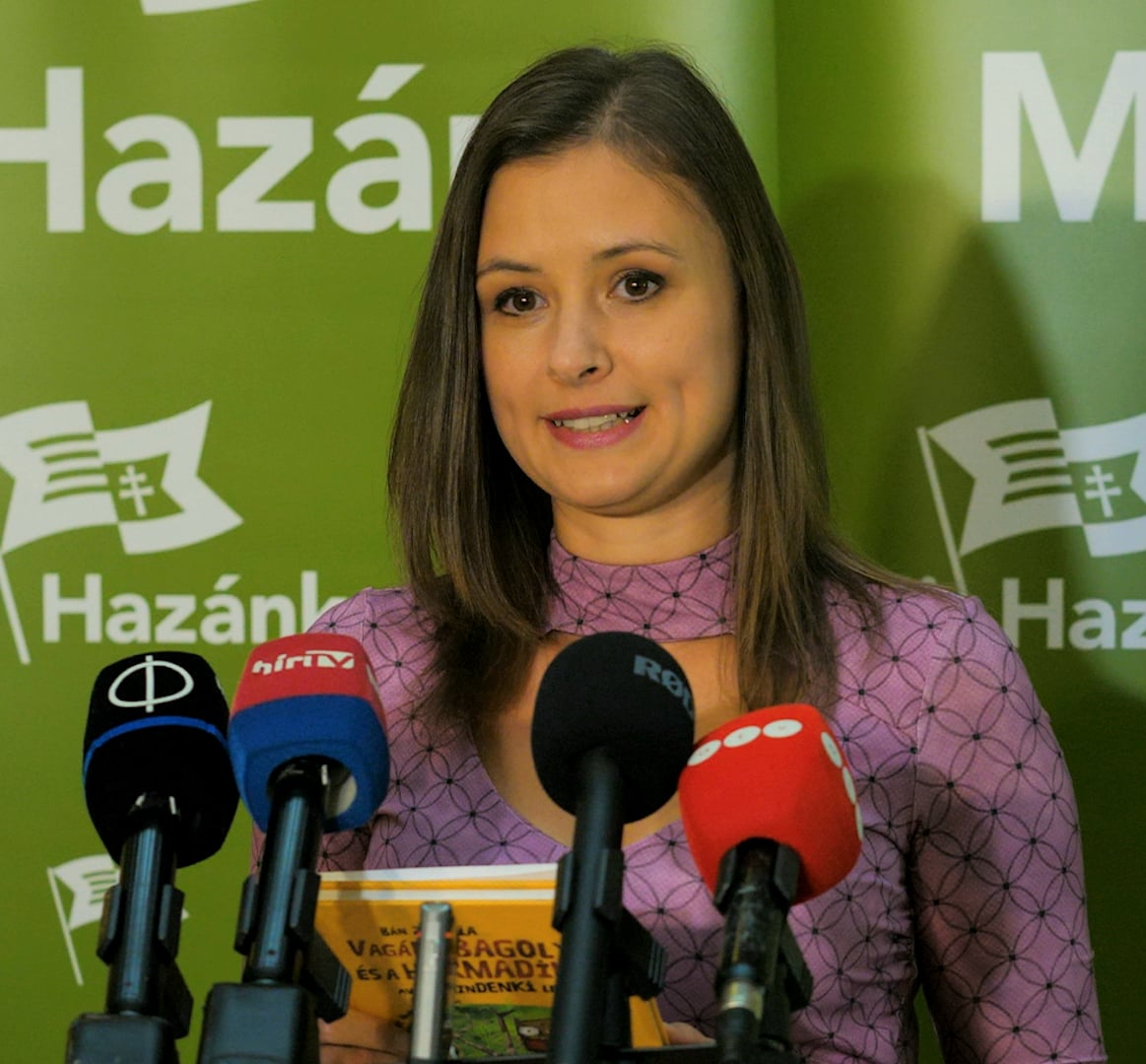 Mi Hazánk Deputy Leader Shreds Another Children's Book over 'Homosexual Propaganda' post's picture
