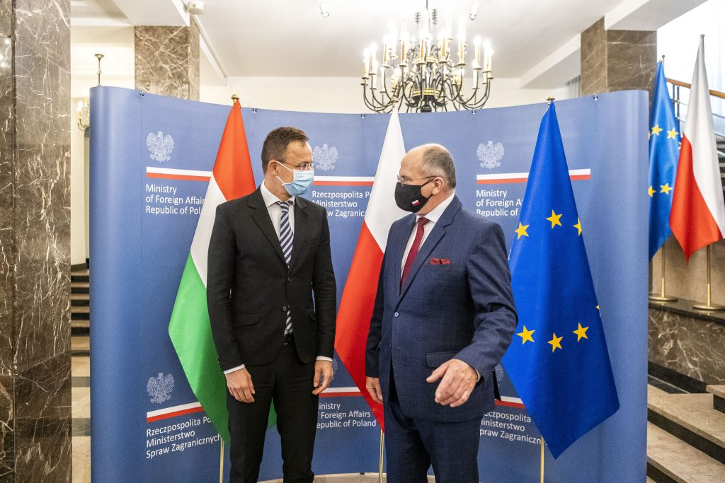 FM Szijjártó: Hungary, Poland 'Won't be Blackmailed' over EU Funds post's picture