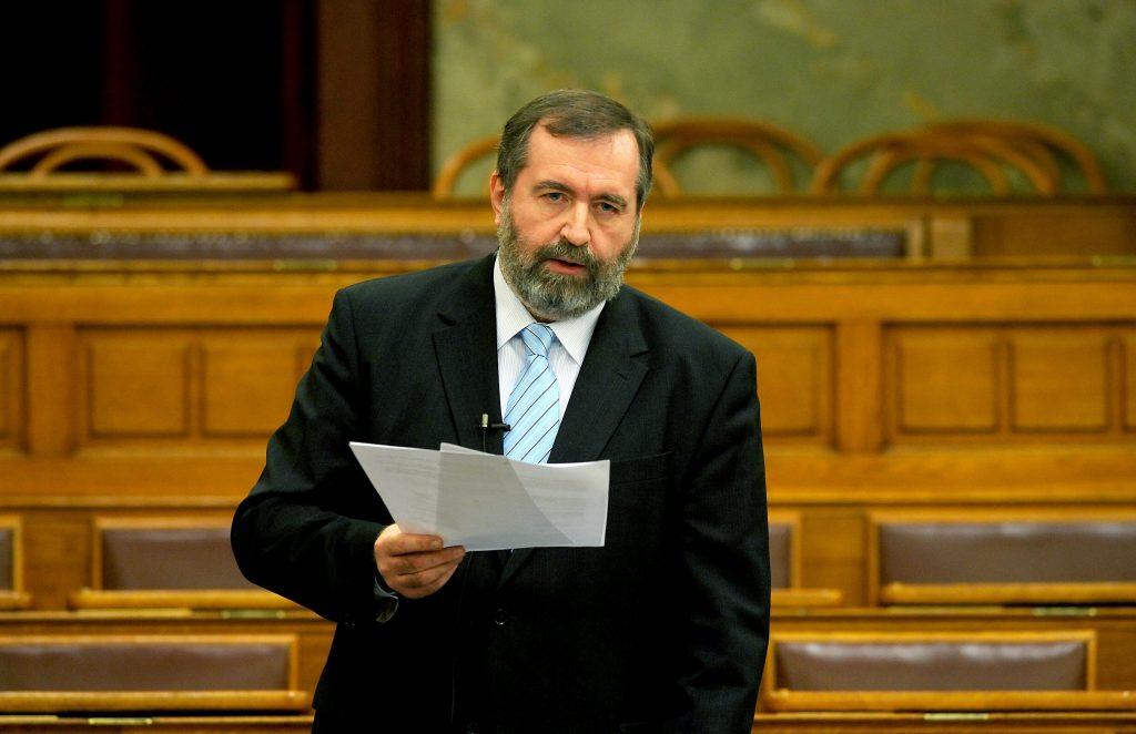 Former Deputy House Speaker László Mandur Dies post's picture