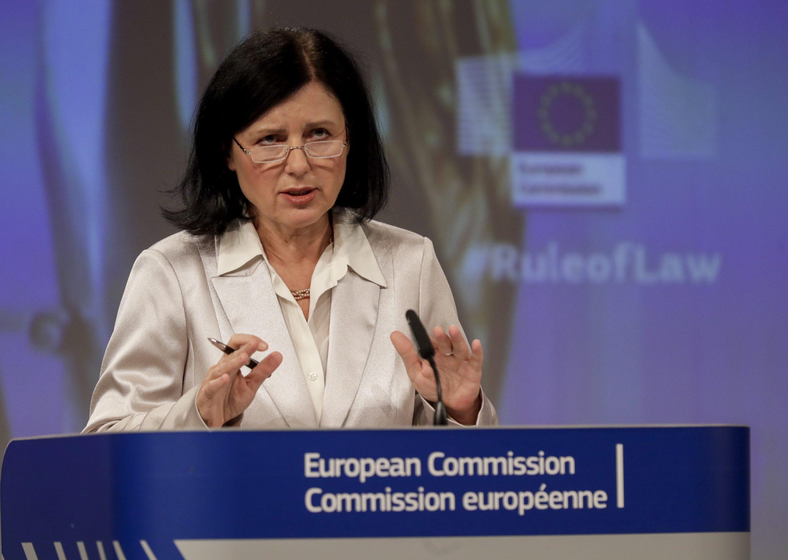 Tour d'horizon de la presse hongroise: hebdomadaires sur la critique de l'état de droit par la Commission européenne