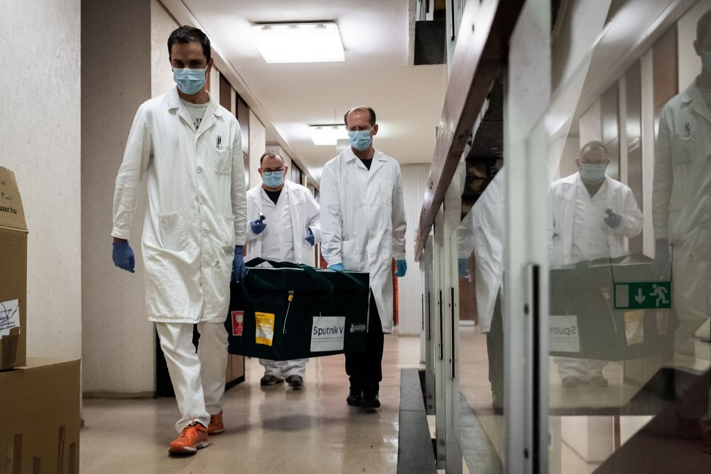 Coronavirus: Hungary Takes Delivery of Russian Vaccine Sample post's picture