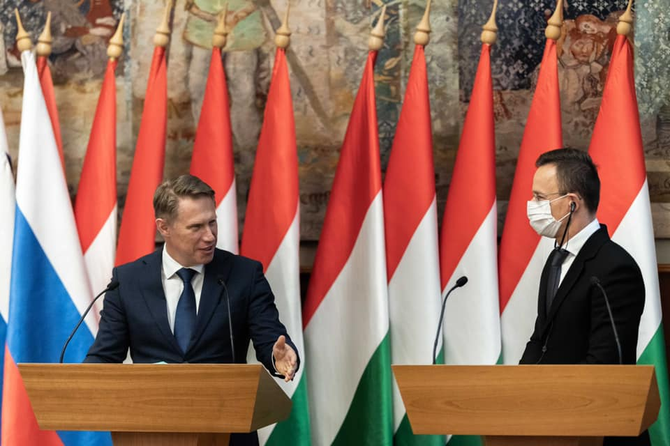 FM Szijjártó Thanks Russia for Choosing Hungary as First Country to Send Samples to post's picture