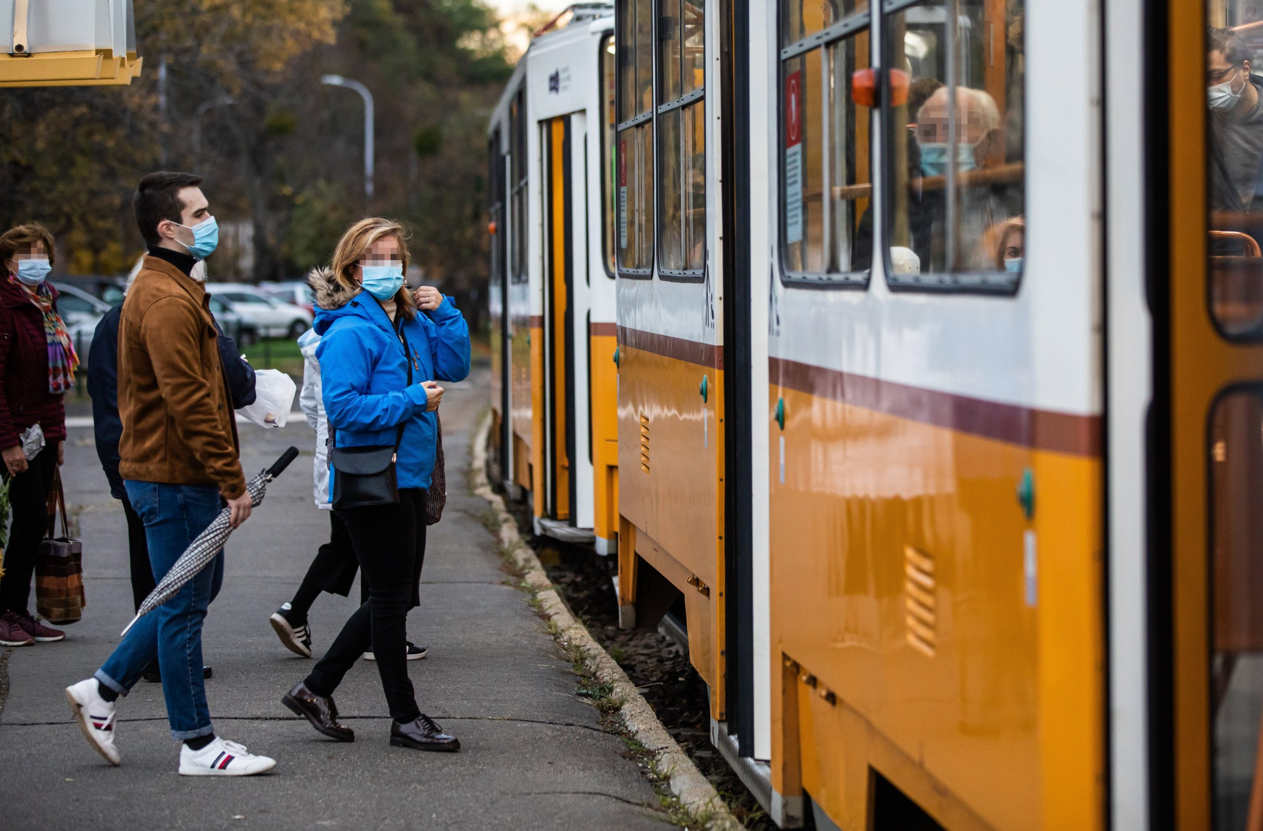 Hungarian Academy of Sciences Advocates for Use of Face Masks