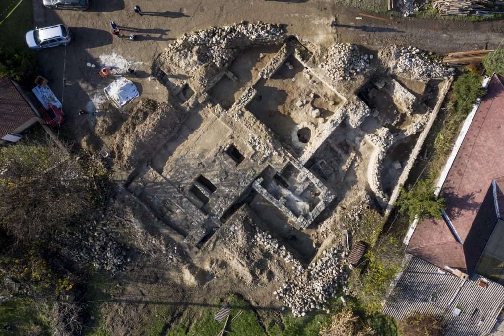 Final Resting Place of Hungary's Third King Now Under Excavation post's picture