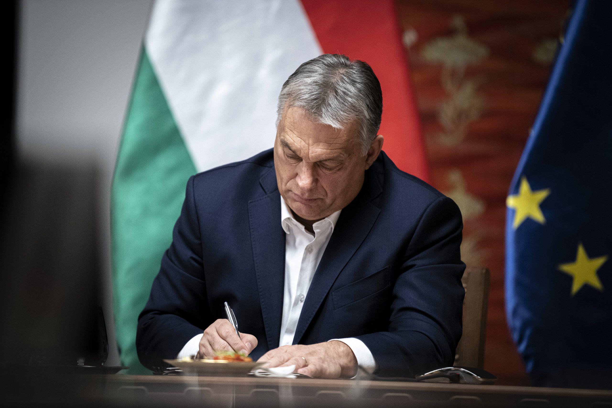 Hungarian Press Roundup: EU Reaches Budget and Stimulus Deal