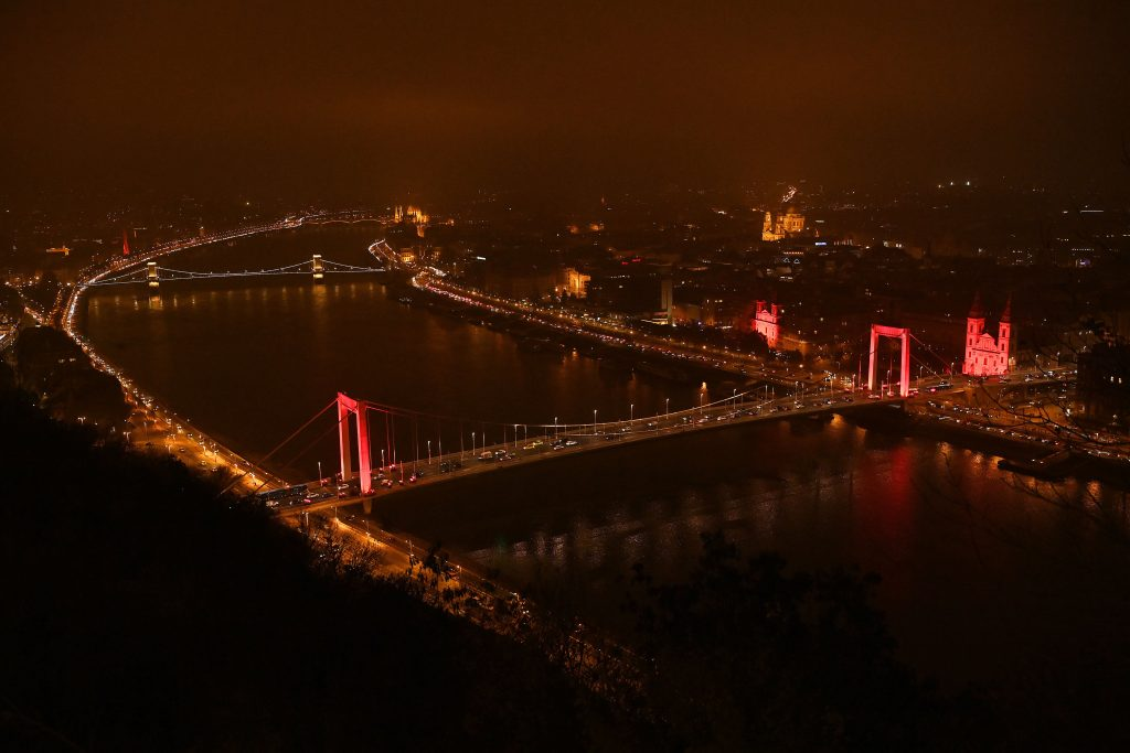 Budapest Landmarks Illuminated in Red to Highlight Issue of Persecuted Christians post's picture