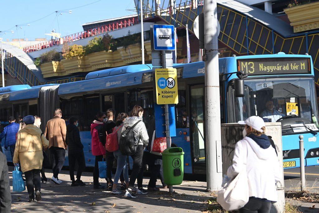 Coronavirus: Budapest Public Transport Runs at Full Capacity in Peak Hours, says BKK post's picture