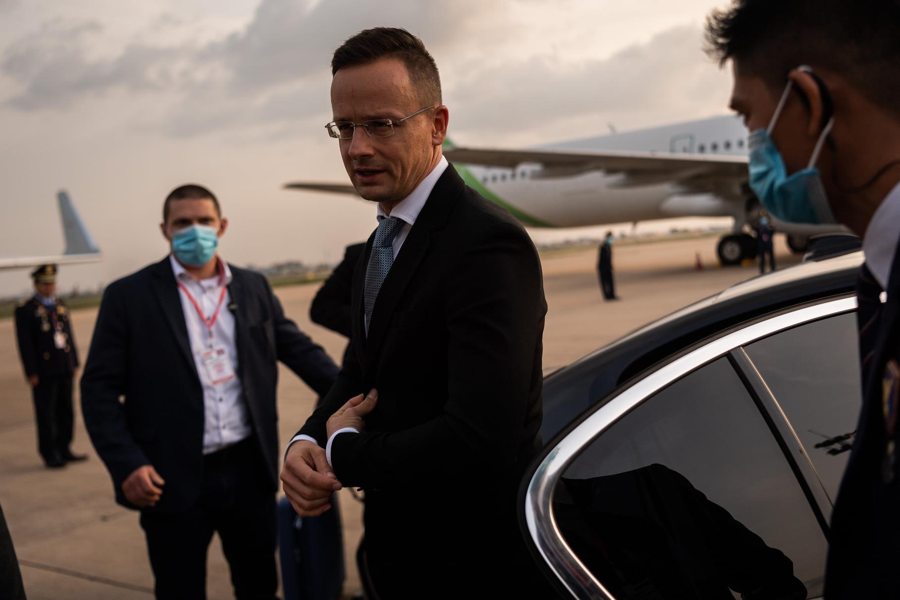 Foreign Ministry Refutes Claims that FM Szijjártó Infected Politicians During Asia Trip