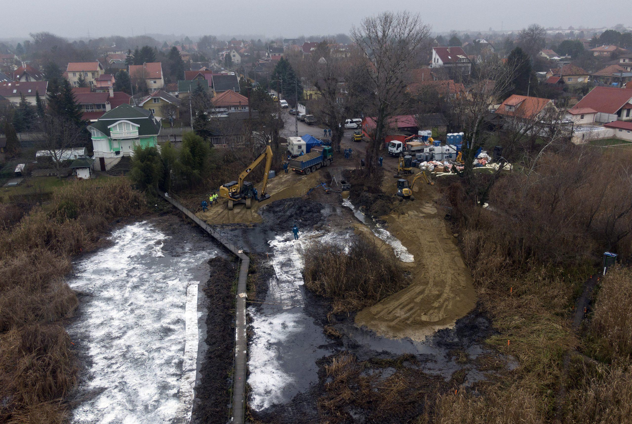 Police Arrest Man Suspected of Danube Oil Pollution