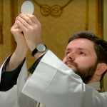 """""""We can't let the coronavirus detract from the value of Christmas"""" – Interview with Catholic Priest Zoltán Fehér"""