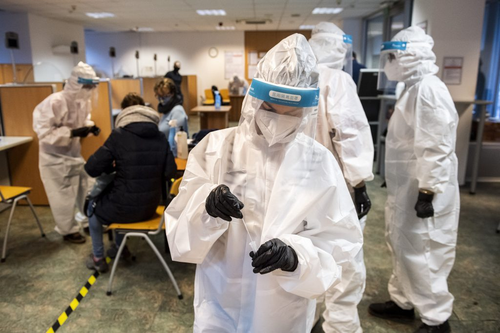 Coronavirus: Budapest Positive Test Rate Four Times Higher than in December post's picture