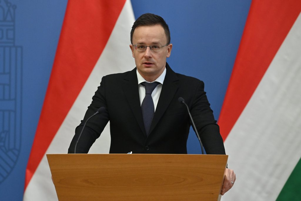 FM Szijjártó: Quick Inoculation Needed to Save Lives and Jobs post's picture