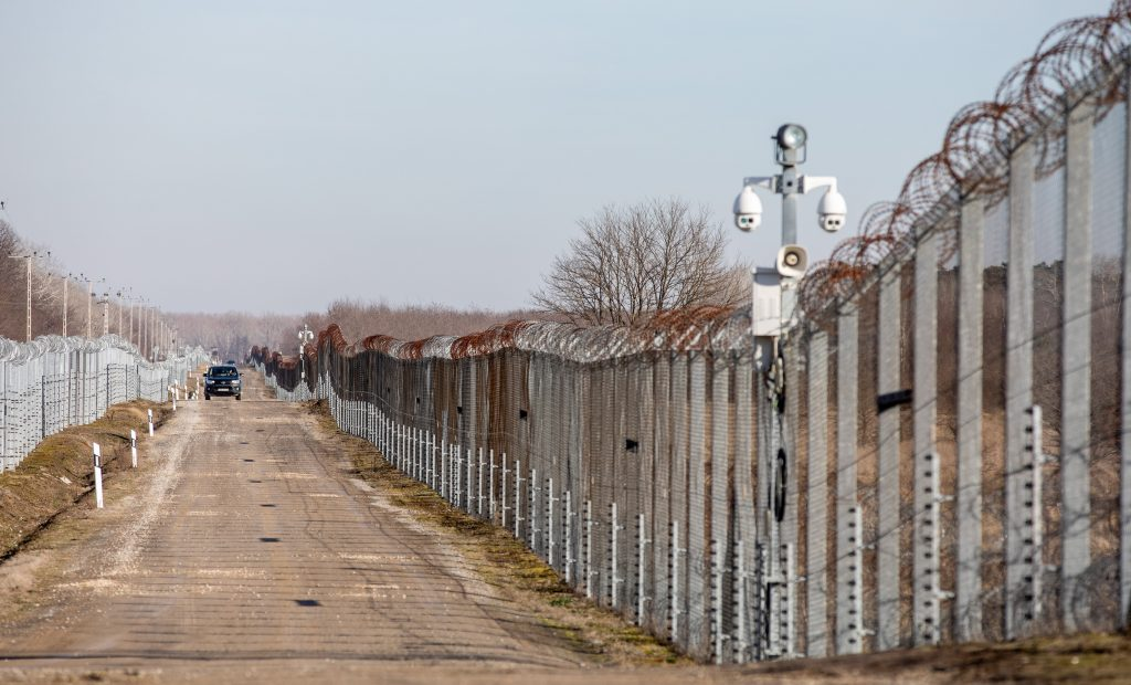 PM's Security Advisor Hails Hungary's Migration Policy post's picture