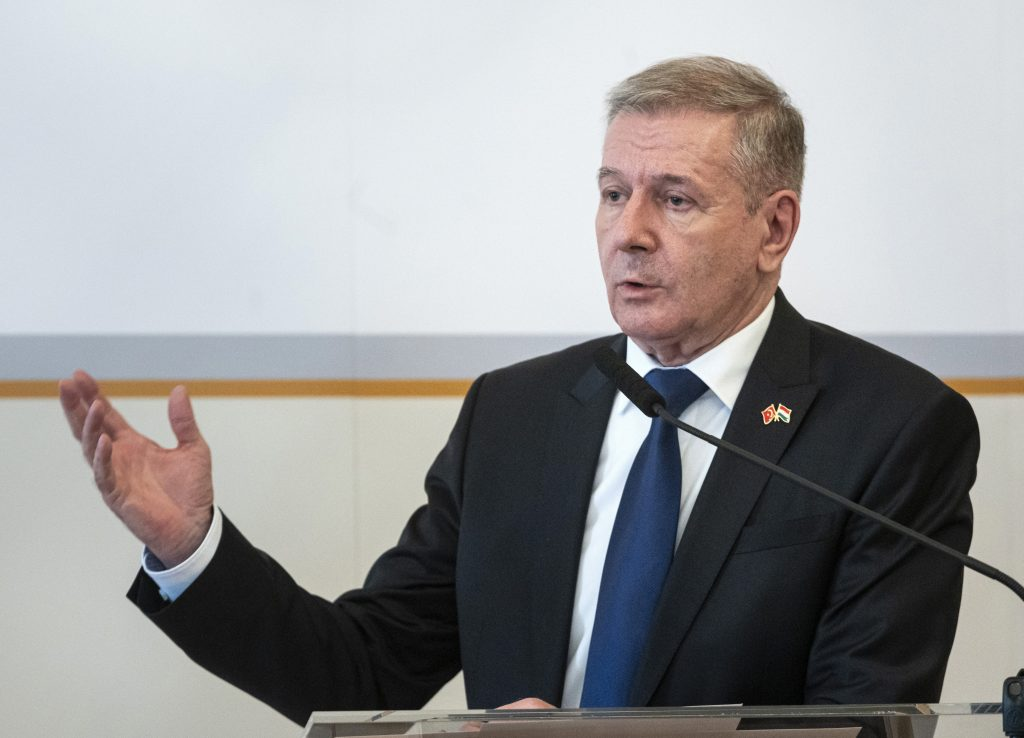 Defence Minister: Opposition Boycotts Meeting on Crisis Response post's picture