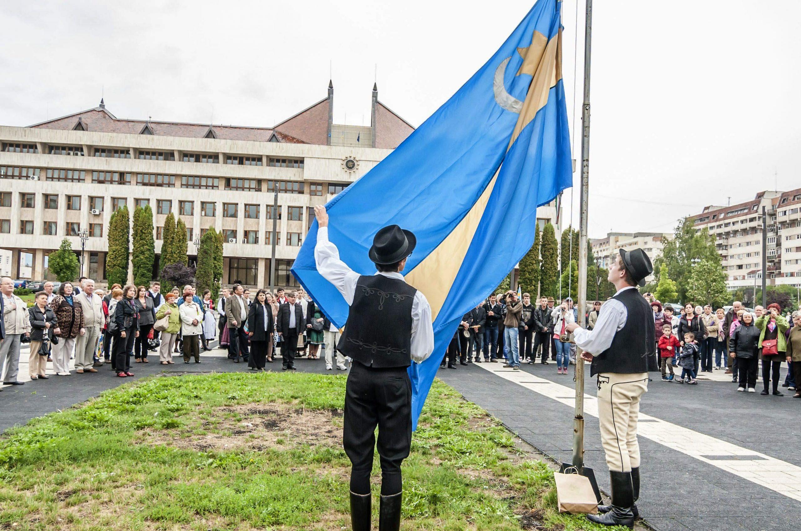 Szekler National Council's EU Signature Drive is a Success