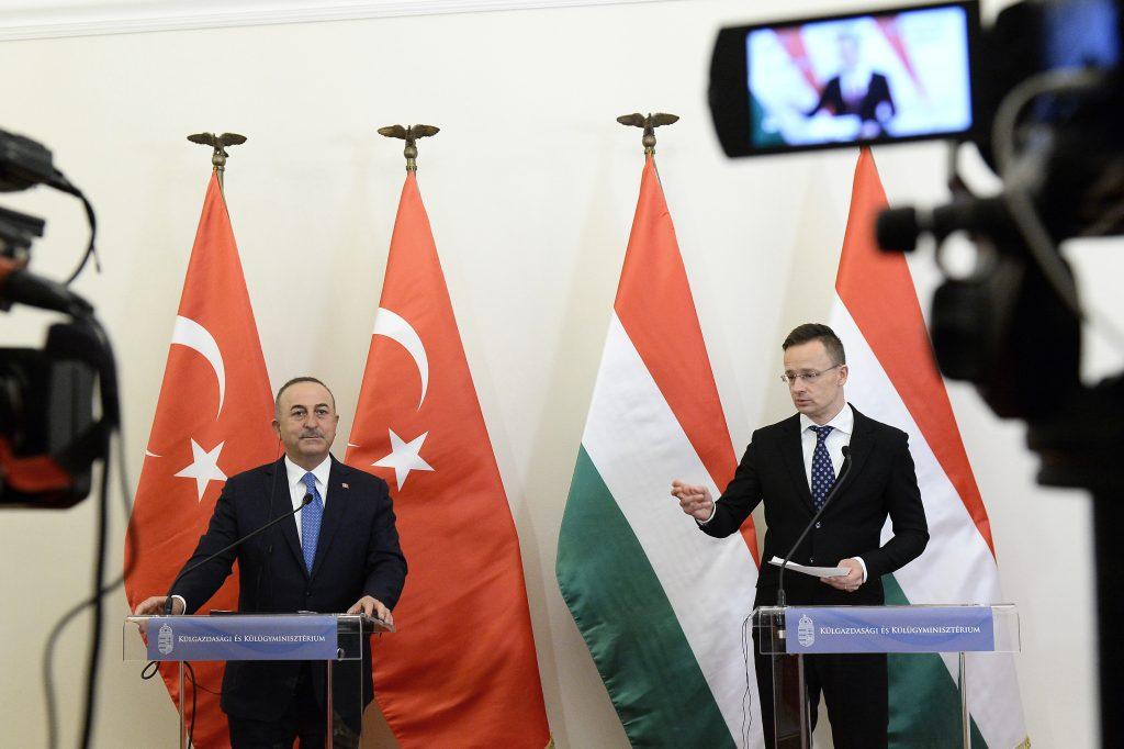 FM Szijjártó Warns EU Politicians Not to Criticise Turkey post's picture