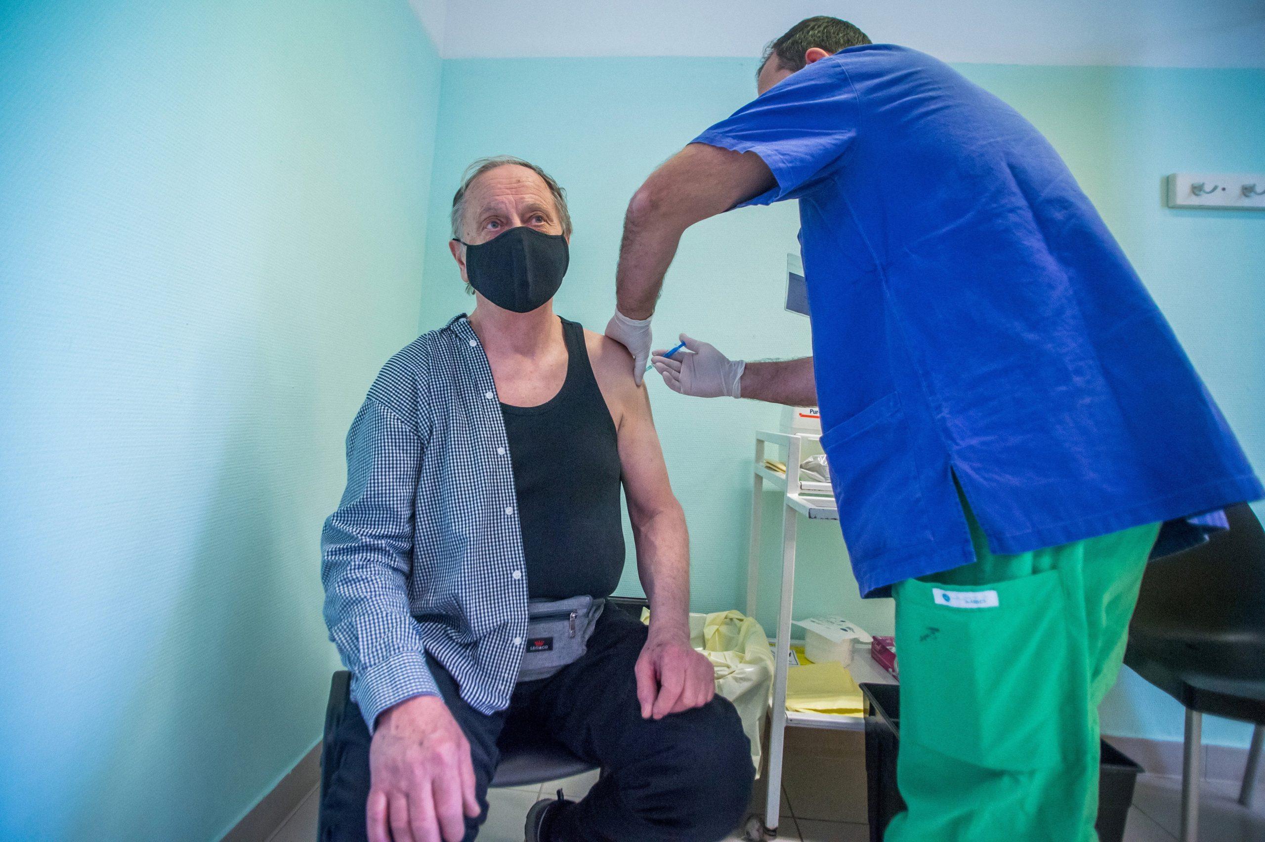 Coronavirus: First Sputnik V Jabs in Hungary Administered