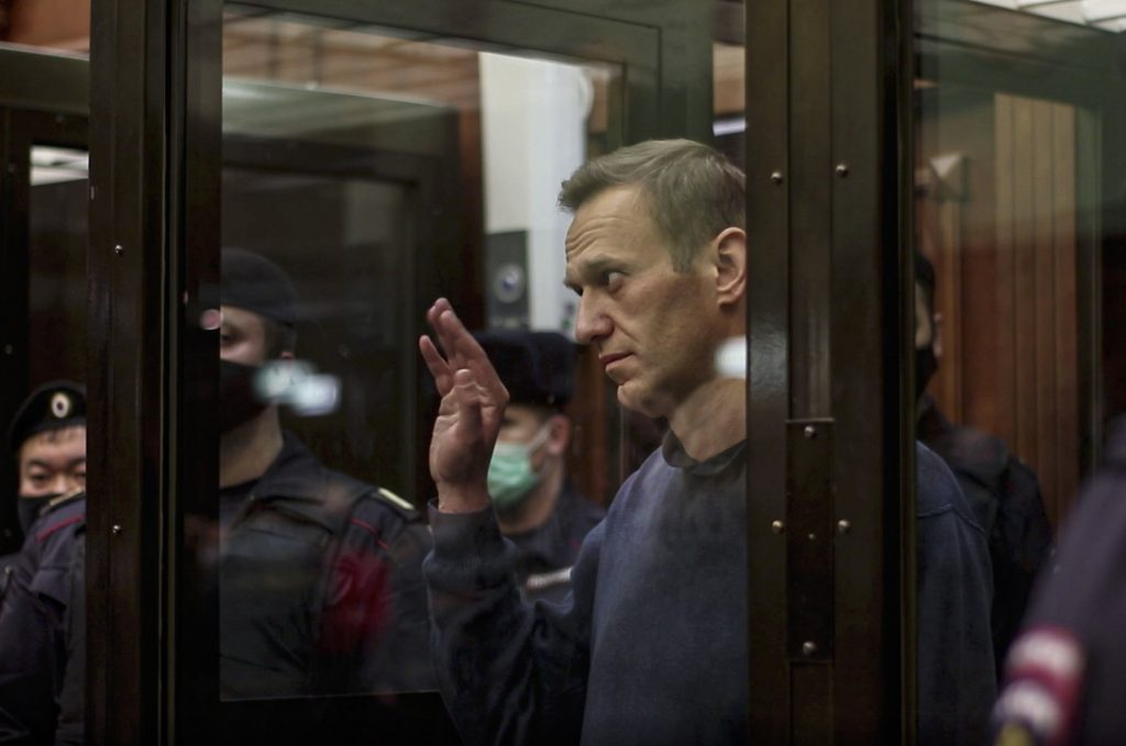 Opposition Politicians Slam Orbán Gov't for 'Deafening Silence' on Navalny's Prison Sentence post's picture