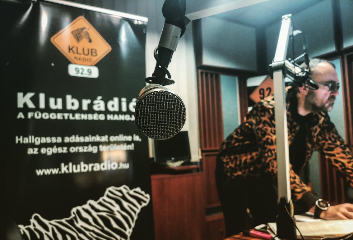 Gov't-Critical Klubrádió Goes Off Air from Sunday Midnight