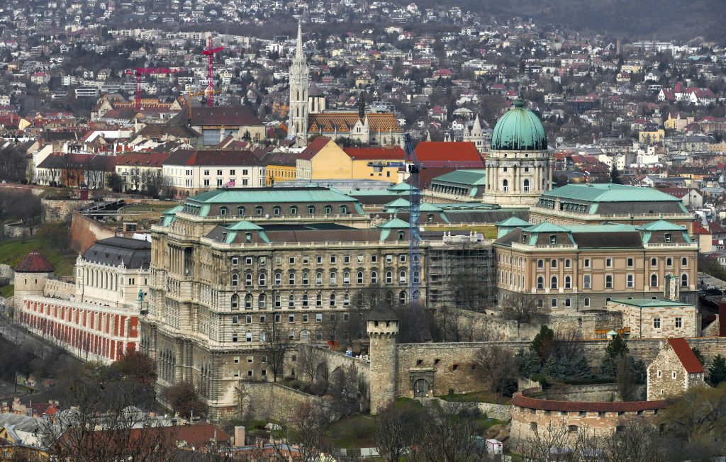 DW Confutes Alleged Apology for Controversial Report on Buda Castle Renovation post's picture