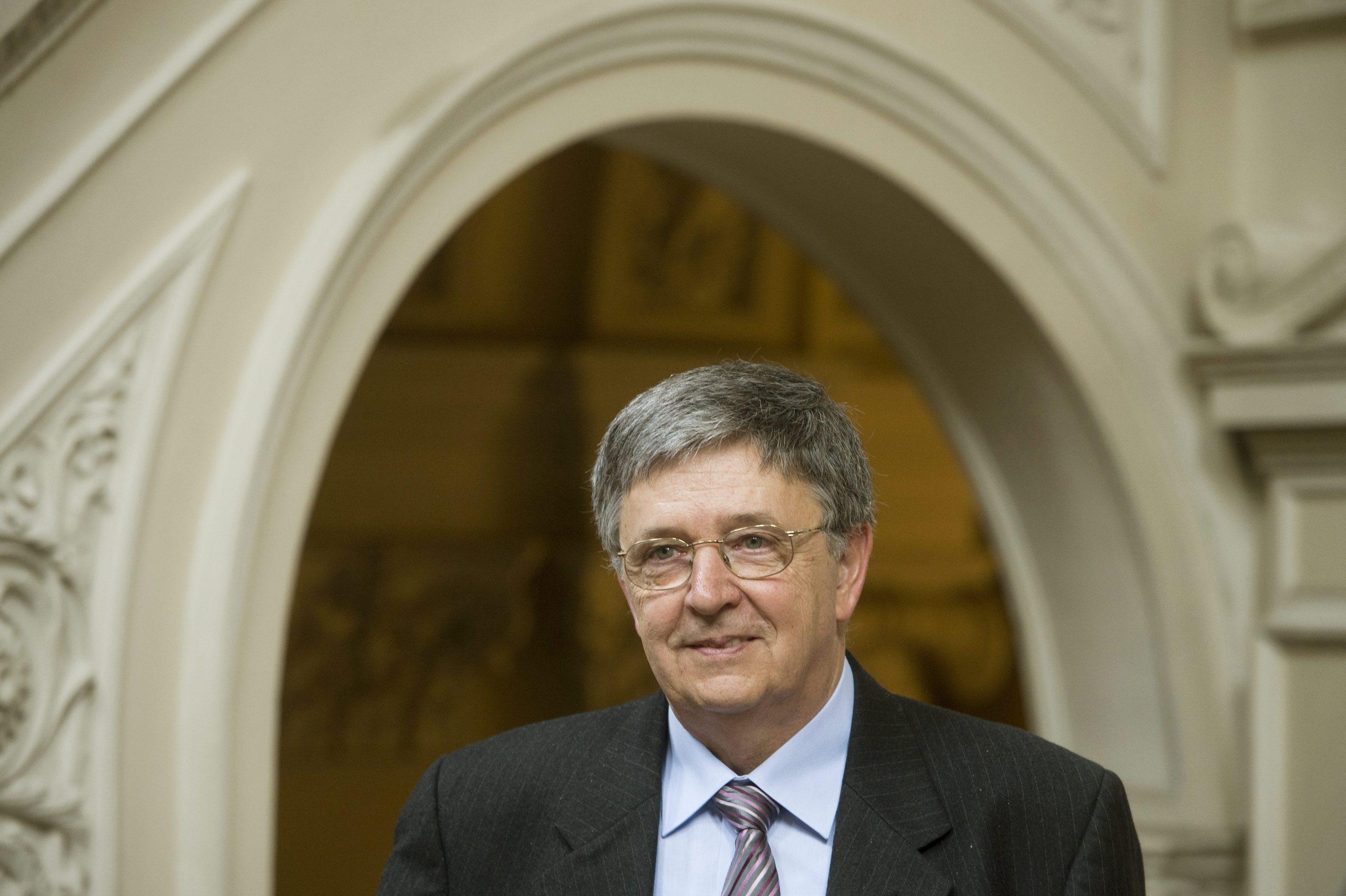 László Lovász Awarded Abel Prize, 'Math's Nobel'