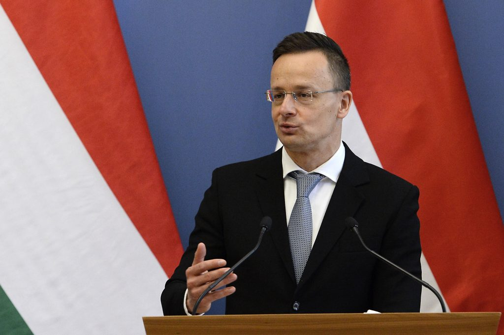 FM Szijjártó: Hungarian Gov't's 'Non-Textbook' Response to Covid Proved Effective post's picture